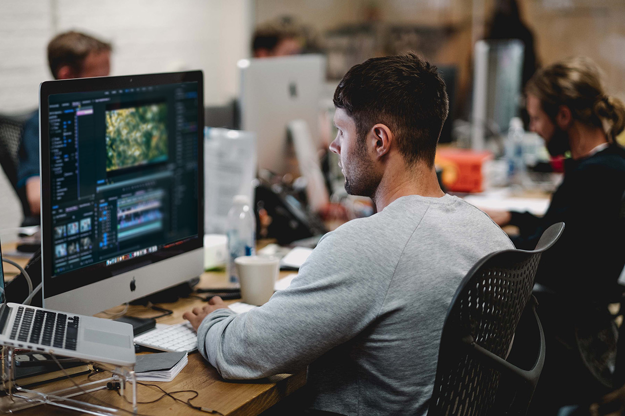 Beca Santander para ingresantes 2021 a Multimedia UMAI